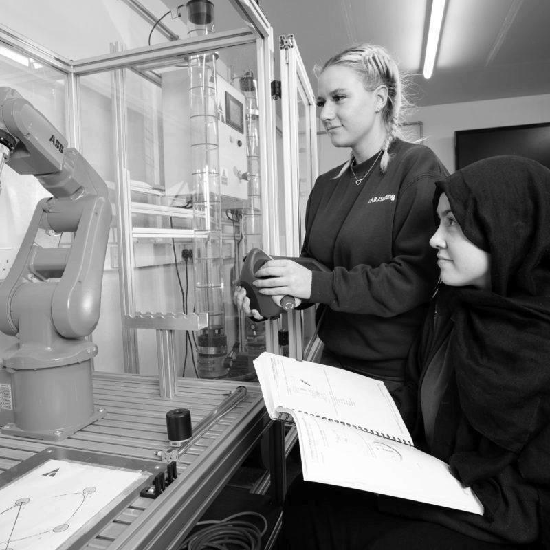 Mechatronic apprentices learning robotics programming